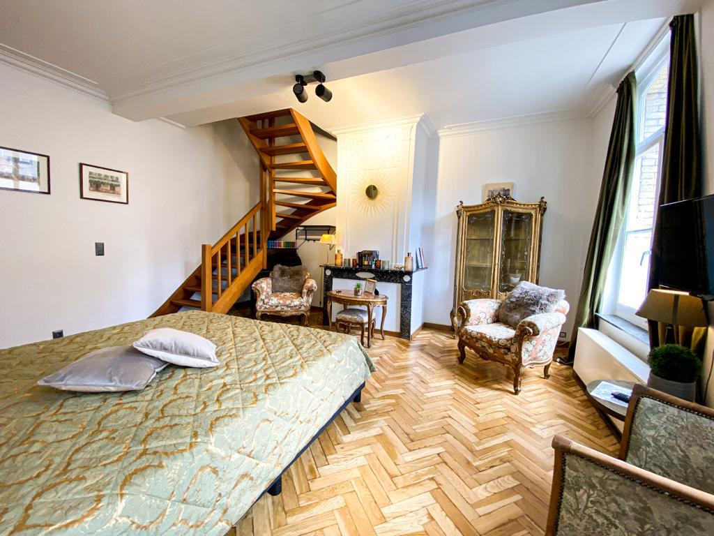 Flat 2 room 1